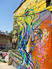 Graffiti in Escalera al paseo Reina Victoria, Cerro Alegre, Valparaíso, Chile (Kjetilei) Tags: chile graffiti caos valparaíso valpo chl cerroalegre elodio charquipunk larobotdemadera august2009 escaleraalpaseoreinavictoria