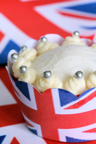 Royal Wedding Crown cupcake 1883 R