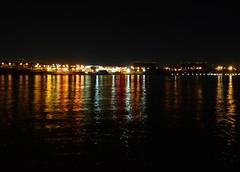 Ponto (Claudio Marcon) Tags: brazil water gua braslia brasil night reflections cores noite reflexos colorido claudiomarcon