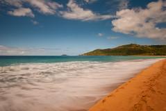 _DSC0312 (G.V Photographie) Tags: sea sky cloud sun mer france beach sand waves sable bleu ciel shore nuage vagues plage solei guadeloupe antilles cocotiers crabe galet deshaies poselongue bleuturquoise