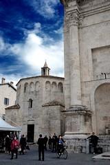 morning in Ascoli Piceno (acciderbolina) Tags: square piazza marche ascolipiceno travertino piazzaarringo cittdellecentotorri