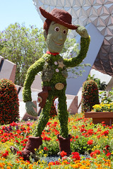 Sheriff Woody Topiary