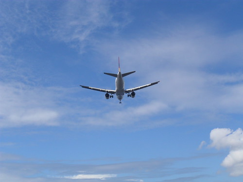 Avião sobre a Baía de Guanabara - RJ by Everson Cavalcante
