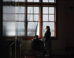 Visiting Ellis Island, NY. (LveMeBreathless) Tags: light ny luz window island ventana photography nikon ellis mama shades immigrants inmigrantes isla ellisisland hijo nuevayork d80