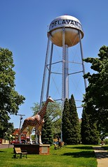 Delavan, Wisconsin water tower (Sarah Lawver (follow me on Instagram!)) Tags: trees usa wisconsin bench spring downtown watertower giraffe delavan nikond3100