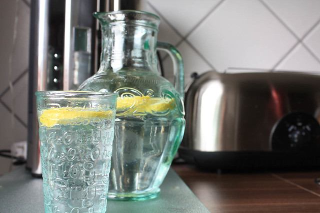 lemon water - summer drink