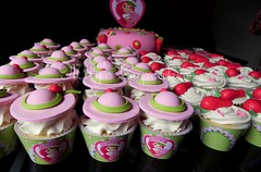 Strawberry Shortcake (Mily'sCupcakes) Tags: birthday argentina girl cupcakes strawberry buenos aires toppers wrappers shortcake milys frutillitas