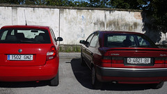 Skoda y Citron (Jusotil_1943) Tags: 01102016 redcars autos coches cars hierro