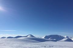 Svalbard / Spitsbergen / Norway (Rita Willaert) Tags: nyalesund svalbard noorwegen spitsbergen barentszburg eilandengroeparchipel norway pyramiden longyearbyen sneeuwscooter snowscooter snow sj absolutelystunningscapes