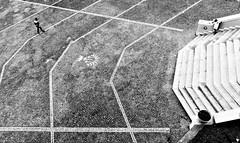 Una linea per ogni et (pinomangione) Tags: pinomangione street gioiatauro biancoenero monocromo linee persone allaperto