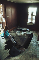 (yyellowbird) Tags: house abandoned girl wisconsin female giant big hole ground inthe cari