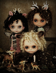 Birds of a Feather (Ragazza*) Tags: birds spring dolls butterflies mohair airbrush nests ringlets customblythe petitewanderlings atomicblythehandmadedress sugarduckfairydeerantlers darkfairybyjangkyhandmadedresses