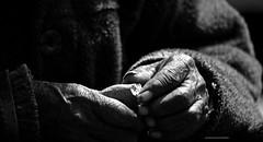basta poco (mat56.) Tags: poverty old woman white black peru monochrome bread monocromo donna hands fame mani perù hunger misery pane wrinkles bianco arequipa nero povertà vecchia rughe miseria mat56