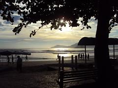 Balnerio Camboriu / SC (ThiagoBertotti) Tags: sol praia mar areia vero caminhada balnerio amanhecer quente calor nascerdosol balneriocamboriu