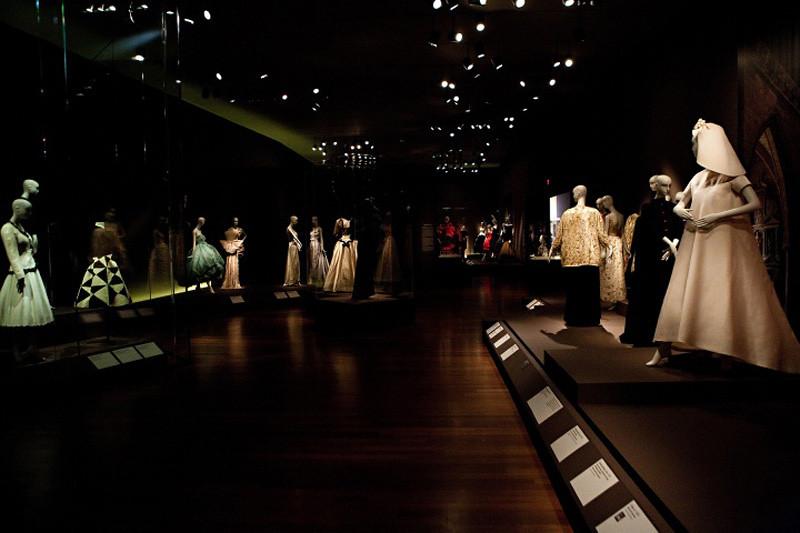 Vogue-Balenciaga-Gala-40_163057869142.jpg_carousel_parties