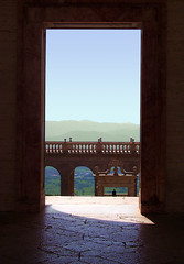 Pausa di riflessione...(Pause of Meditation) (ingroar) Tags: light detail reflection flickr view silence meditation pause montecassino abbaziadimontecassino ingroar