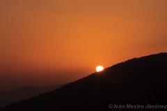 Puesta de sol desde el Rapitn ( ivn mestre Jimnez) Tags: espaa sun sol canon landscape spain paisaje puesta fz pyrenees jaca pirineos lightroom flikcr aragn 40d flickraward afz concordians rapitn fotografosdezaragoza oltusfotos kazazo ivanmestre