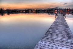 Bootssteg am Klostersee (alpenbild.de) Tags: lake reflection bayern bavaria see evening abend pier bluehour cloister dämmerung reflexion hdr kloster steg 巴伐利亚 seeon chiemgau alpenbildde