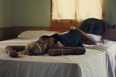 18.4.11 (obo-bobolina) Tags: portrait bedroom hannah sp 365 headache selfie bedd 365days