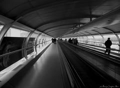 tunnel (Lorenzo Serafini Boni) Tags: manchester airport nikon tunnel p nik galleria p100