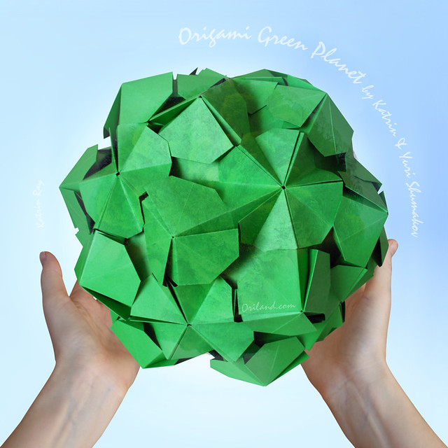 ORIGAMI GREEN PLANET