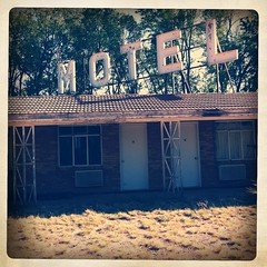 Paradise Motel - Route 66 (Hipstamatic) (TooMuchFire) Tags: signs newmexico typography route66 neon type tucumcari neonsigns motels lightroom oldsigns motherroad vintagesigns vintagesignage oldmotels canon30d typografia paradisemotel route66motels oldneonsigns route66newmexico scaffoldsigns vintageroute66 toomuchfire route66neonsigns 2202wroute66blvdtucumcarinm