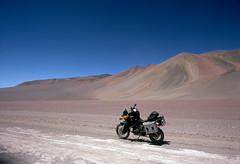 Areia e Sal (Sandro Ebone) Tags: mountain desert altitude atacama andes desierto deserto pasosanfrancisco f800gs