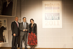"Joo Castro Neves no prmio ""Executivo de Valor"" (ambevbrasil) Tags: premiao ambev valoreconmico executivodevalor joocastroneves executivodoano jornalvalor executivodevalor2011 reconhecimentodaambev"