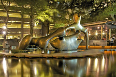 Henry Moore - Reclining Figure @ OCBC Centre (williamcho) Tags: sculpture reflection art bronze famous sculptor attraction henrymoore centralbusinessdistrict d300 recliningfigure ocbccentre excapture williamcho flickrtravelaward