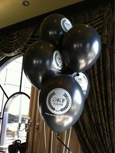 Tafeldecoratie 5ballonnen Dirk Kuyt Foundation Huis ter Duin Feyenoord Rotterdam