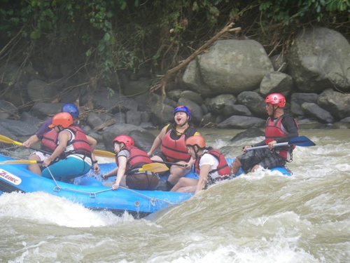 dwa team merla almost falling davao white water rafting