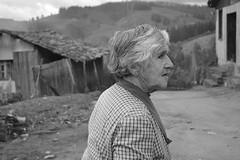 (Doris Venegas) Tags: guarilige rutadelvino vino campo paisaje casaantigua ruido rostros rostroanciano anciana duotono monocromo monocolor