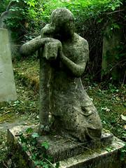 Faceless statue