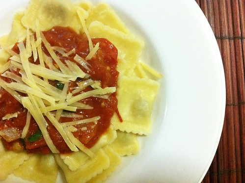 Ravioli with Fresh Tomato Sauce by mjd-s