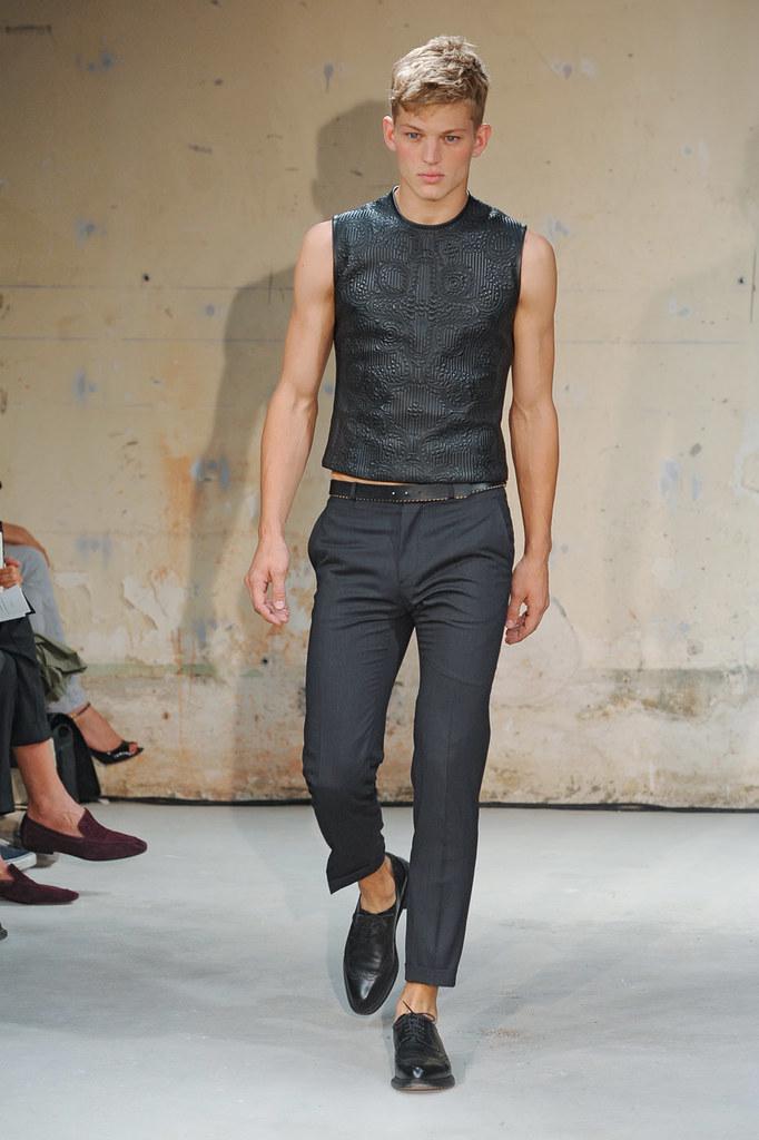 SS12 Paris Christian Lacroix008_Sebastian Sauve(Homme Model)