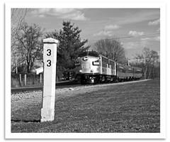 MP33 (bogray) Tags: blackandwhite bw train mono ky passenger samuels emd funit rjcorman oldkentuckydinnertrain