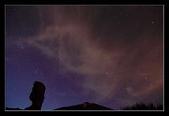 Cuentos de la noche (Jashir) Tags: night canon stars landscape spain paisaje explore 7d estrellas tenerife nocturna teide canaryislands islascanarias tamronspaf1750mmf28xrdiiildasphericalif parquenacionaldelteide roquecinchado canoneos7d