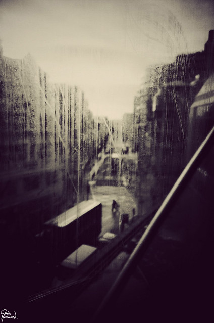 5594787758 c3990bc8ef z London Noir & Analog   10 Subtle Artistic #Lomo Photos By Gavin Hammond