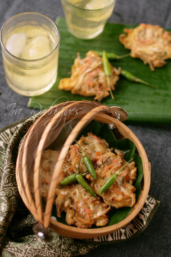 Vegetable fritter / Bala-bala