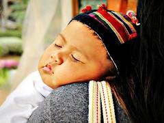 Laos - Febbraio 2011 - Apr 7, 2011 #384 Explore (anton.it) Tags: child mother mamma laos sonno viaggio nanna bambino volto canong10 antonit