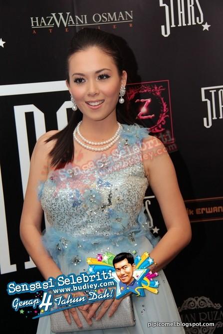 Gambar Siti Saleha di Anugerah Bintang Popular 2010