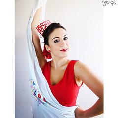 y ol (Paco Jareo Zafra) Tags: baile flamenco roja gitana sevillana mantn peineta tamajare