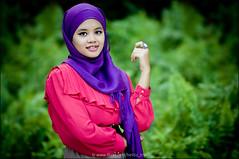 DSC_1762 (Hell62_Trbs) Tags: portrait smile fashion asia hijab ella lifestyle malaysia terengganu tudung pulausekati samyang85mmf14 nikond5000 hell62 hell62trbs mohdfazarai