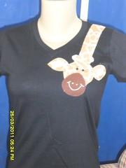 camiseta Girafa (frente) (Aletia artesanato) Tags: camisetascustomizadas