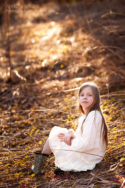 Full sun shoot outdoors portrait in Espoo