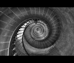 Vortex (AO-photos) Tags: vortex france stairs nikon deep hdr ilederé escaliers profondeur pharedesbaleines d5000