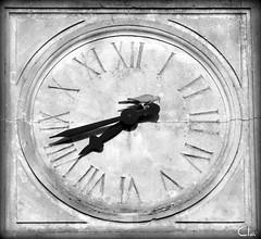 Omnes vulnerant, ultima necat ... [ EXPLORE !!] (dClaudio [homofugit]) Tags: clock nikon time dove explore hours 70300mm d90 cucù towerbell