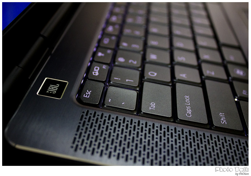 DELL XPS 15 Laptop - keyboard