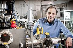 Le professeur Mohamed Chaker, du Centre Énergie Matériaux Télécommunications de l'INRS