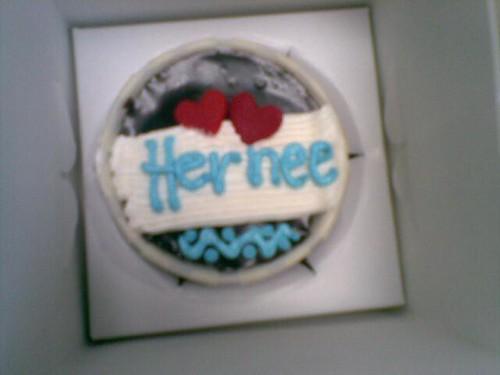 Yeay! Dapat Cup Cake Comel Dari Kak Mira by herneesamshudin